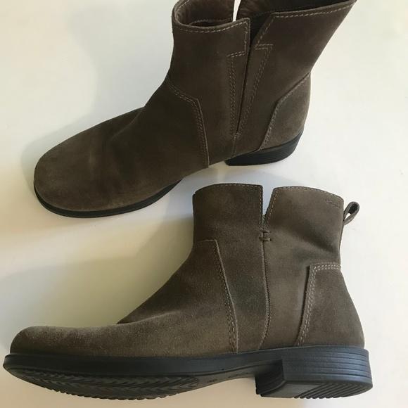 af15a434b68 Ecco Shoes - Ecco Brown Suede Ankle Booties sz 39
